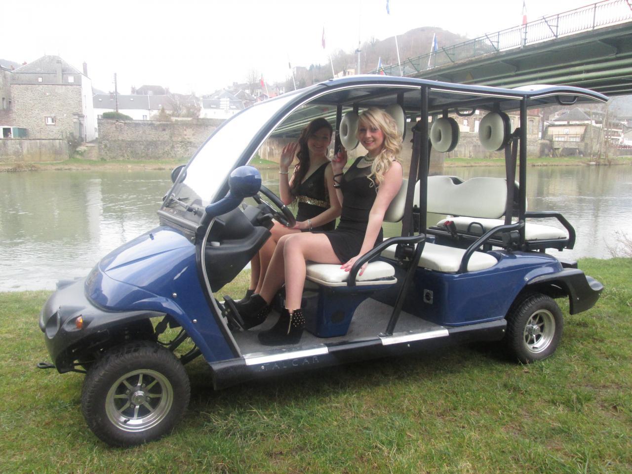 Nous vous accompagnerons sur nos bâteaux électriques en golfette !